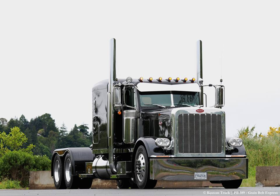 Custom Peterbilt 389 - KUSTOMTRUCK COM